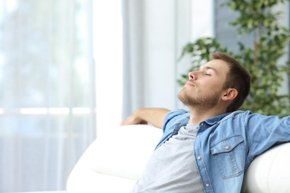 Santé : faut-il choisir un logement certifié pour respirer un air sain ?